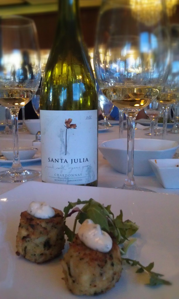2011 Santa Julia Organica Chardonnay (Mendoza, Argentina) & Jumbo Lump Crabcakes